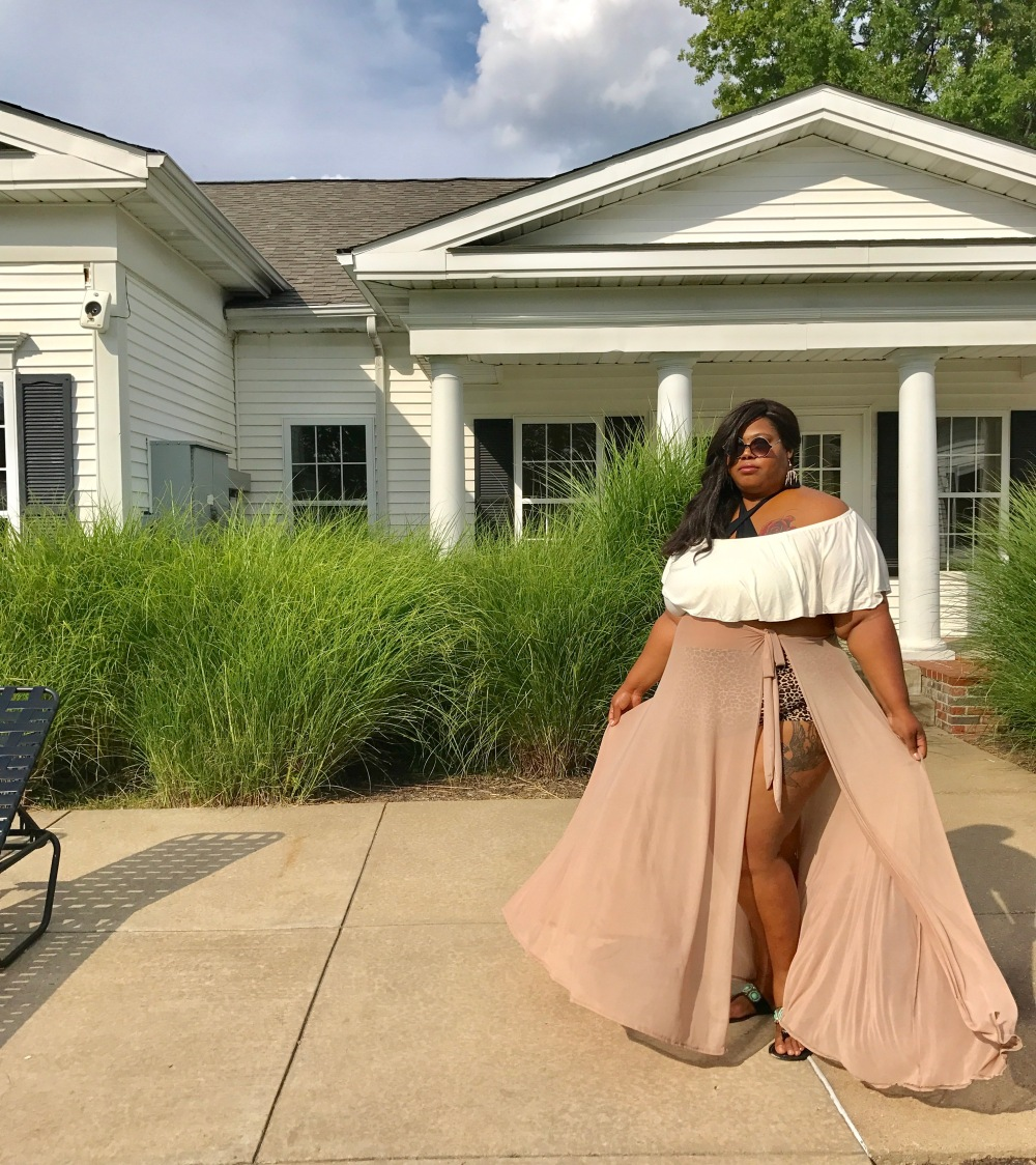 Plus Size resort wear from Honey's Child Boutique is perfect for a plus size pool party or a simple summer night out at the pool.