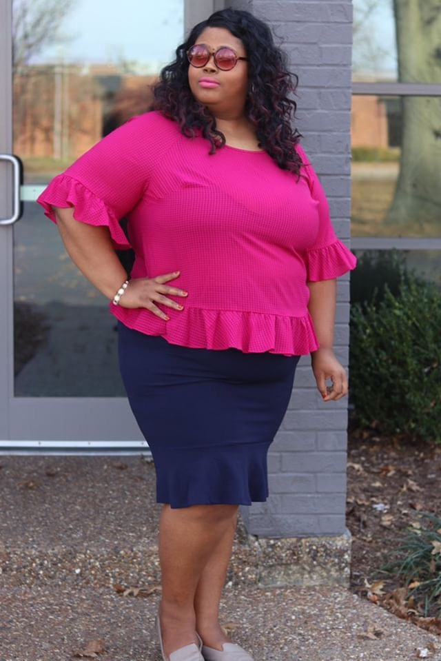 Plus size office wear from Shein, navy ruffle skirt, saint louis photography, Saint louis blogger, saint louis influencer, topblogger, top influencer, women in tech, top marketing consultant, top product manager, women of color in tech