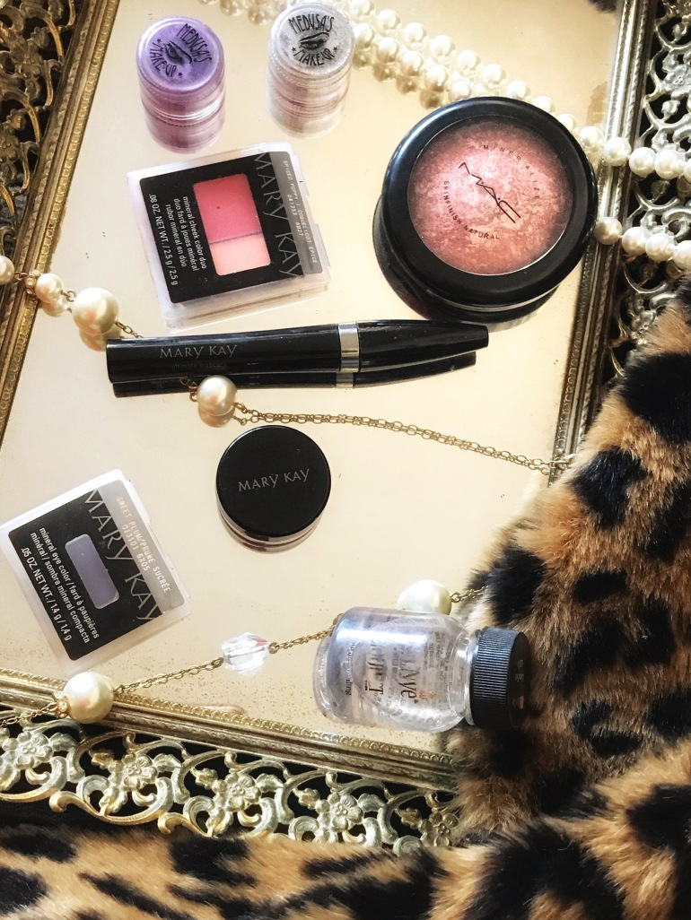 http://finessecurves.com, beauty blogger, holiday makeup, mary kay, saint louis blogger, stl, top blogger, top influencer, midwest blogger, southern blogger, dove, covergirl, nars, coulor pop, sephora, fenty beauty, black girls rock, essence
