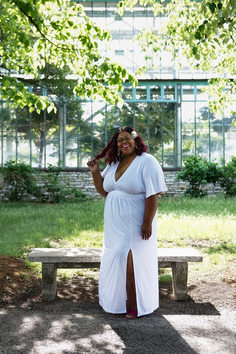 http://finessecurves.com all white party, plus size all white party attire, summer 18 all white parties, curves at sea, full figure fashion week, gwen devoe, all white roundup, plus size gender reveal, plus size wedding, plus size bridesmaid